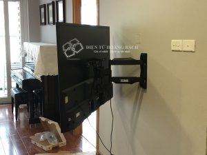 IMG 0110 1 300x225 - Tổng hợp những căn hộ lắp đặt giá treo tivi đa năng P4 - DF400 ( Phần I)